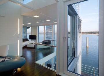 ferienhaus dresden umgebung schwimmendes ferienhaus ferienh user sachsen urlaub deutschland. Black Bedroom Furniture Sets. Home Design Ideas